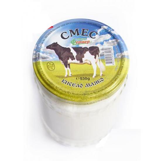 Кисело мляко смес от 70% краве мляко и 30% биволско мляко в стъклен буркан от 530 гр.